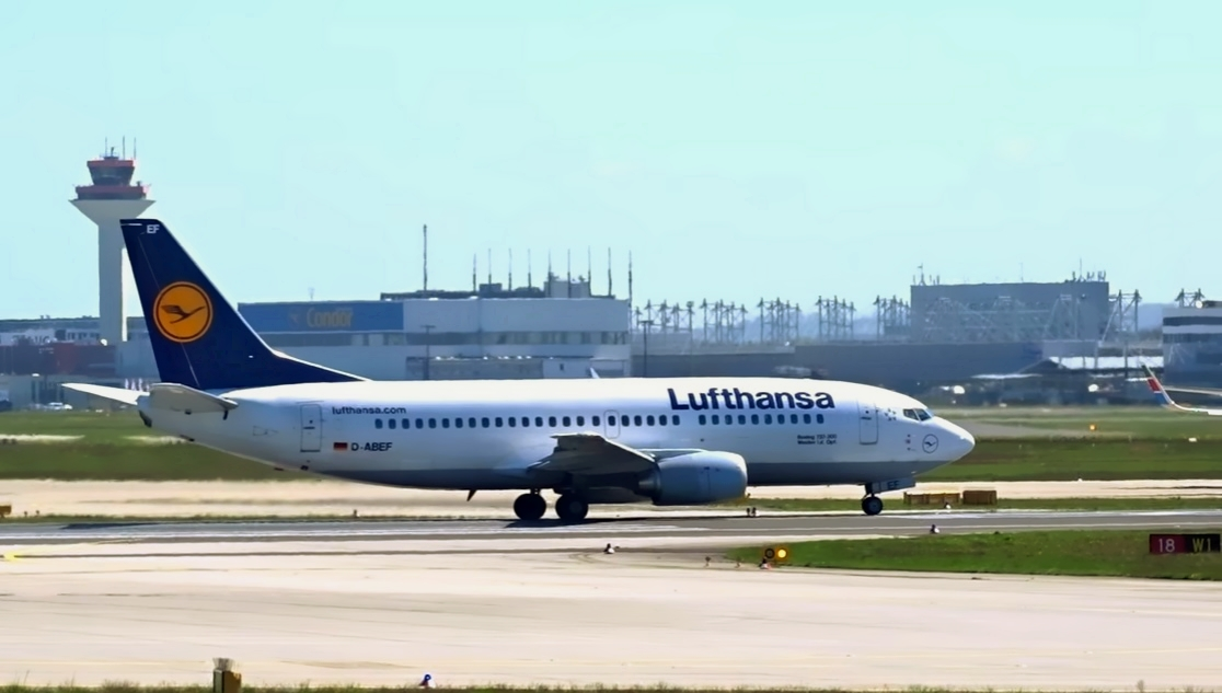 Lufthansa Boeing 737 ready for departure at Frankfurt Airport
